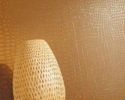 טפט לקיר דמוי עור נחש בגוון חום דבש