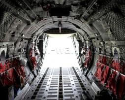 תמונת טפט תלת מימד פתח יציאה ממטוס