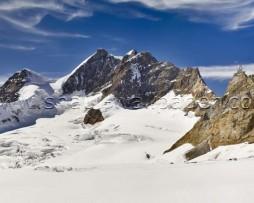 תמונת טפט תלת מימד הרים מושלגים