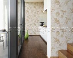 טפט לקיר בצורת פרחים בגוון קרם על רקע לבן מחוספס
