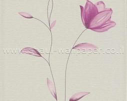 פרחים בצבע לילך על רקע שמנת
