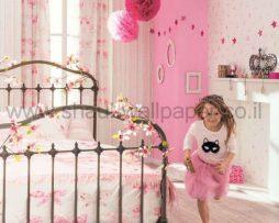 טפטים לחדרי ילדים, טפט פרחים ופרפרים רקע בז' צבע ורוד